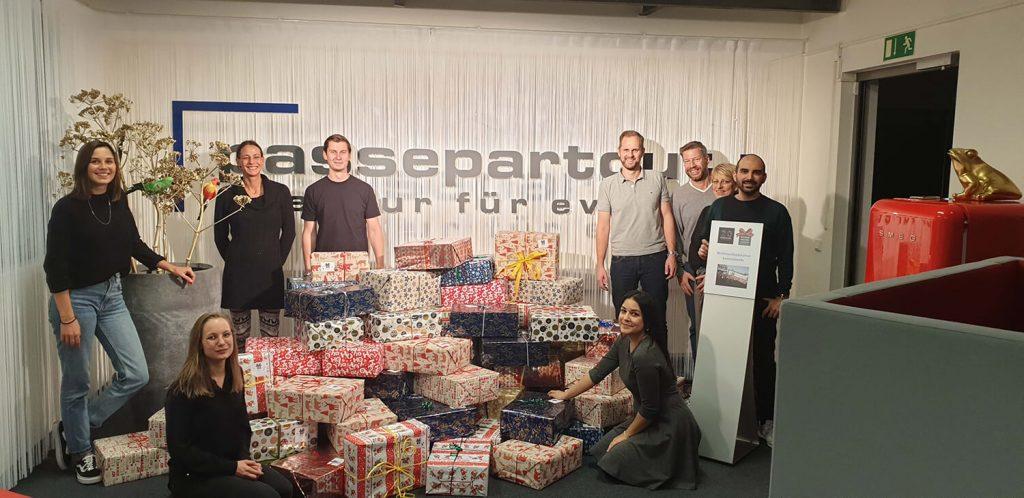 Agentur Passepartout – Jubiläumsmoment Weihnachtspäckchen